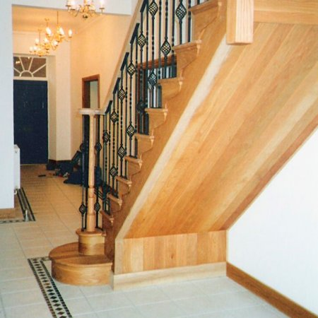 Oak flight with metal spindles that have been specially made